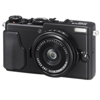 Fujifilm FinePix X70 16MP Full HD Digital Camera Black (FREE INSURANCE + 1 YEAR AUSTRALIAN WARRANTY)